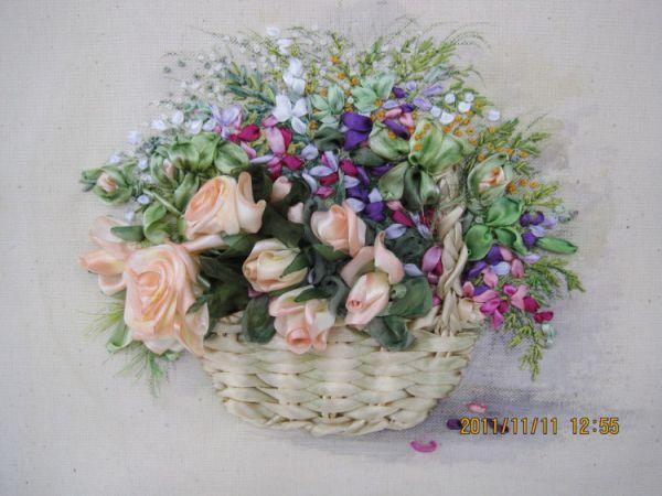 Лора Коровина: вышивка лентами цветы
