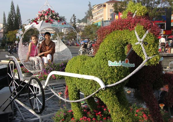 фестиваль в Далате